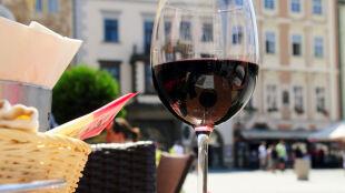 Wino z polskiego bieguna zimna? Enoturystyka na północnym wschodzie