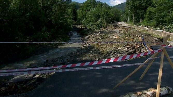 Osiedle Kras wciąż odcięte, szlaki w Tatrach pozamykane. To nie jedyne skutki ulew